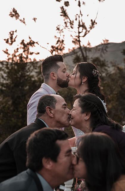 proposeatfamilywedding